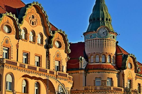 art nouveau architecture Oradea