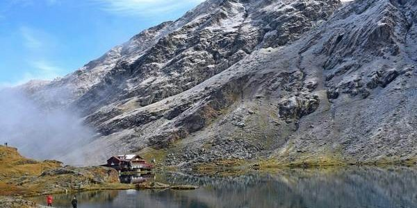 Balea lake on Transfagarasan road view